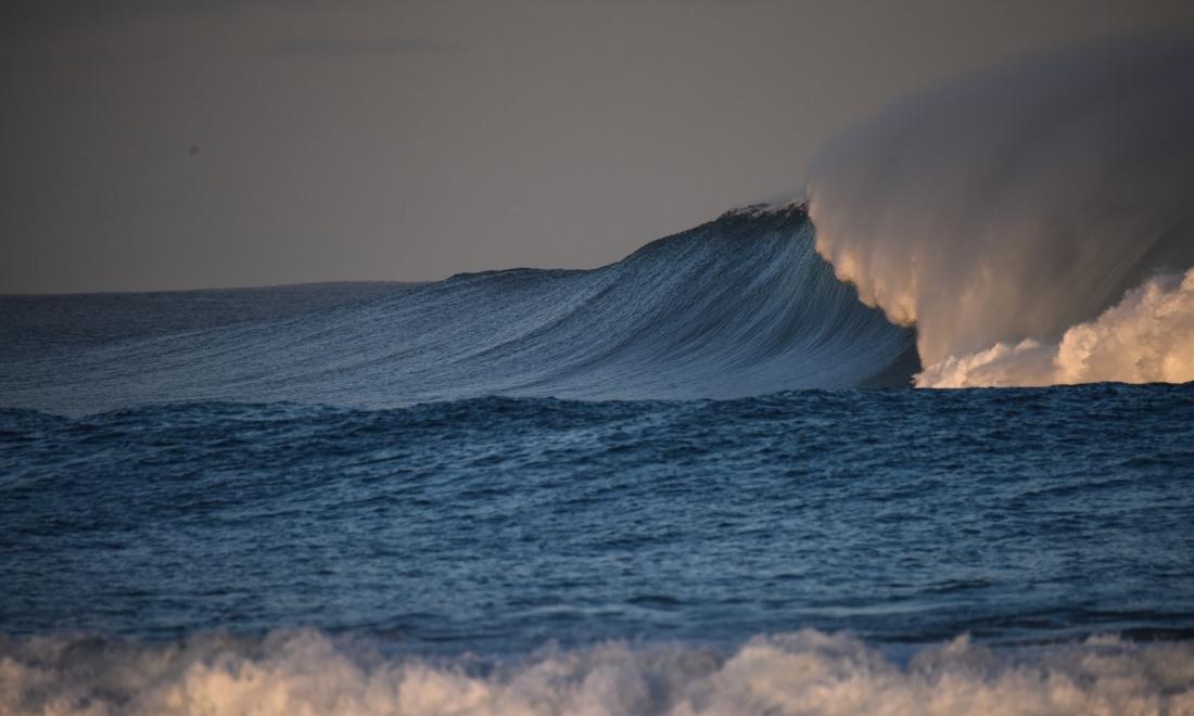 Marengo - waves over Little Henty Reef-3