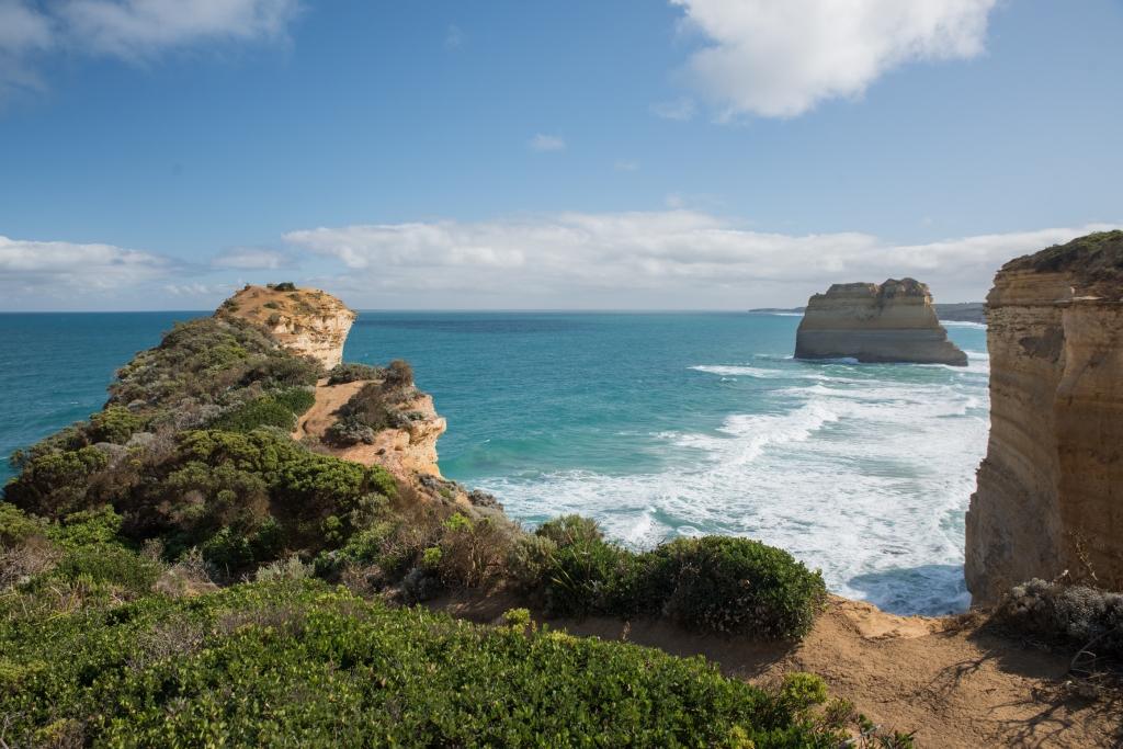 Cliff vista near Twelve Apostles