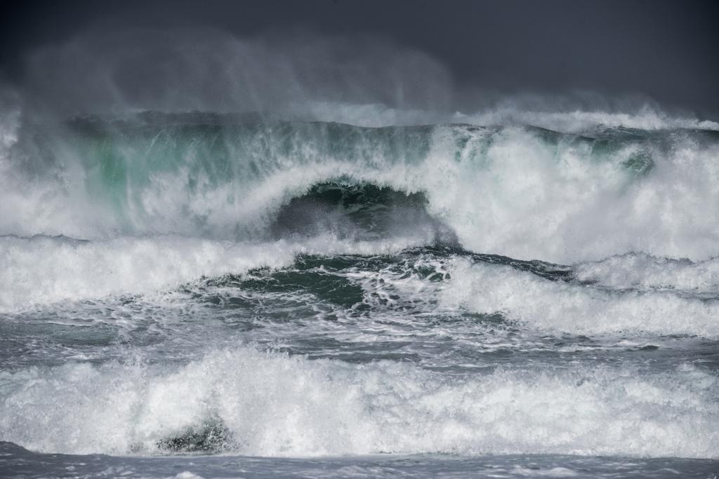 Big waves breaking on reef near Hayley Point