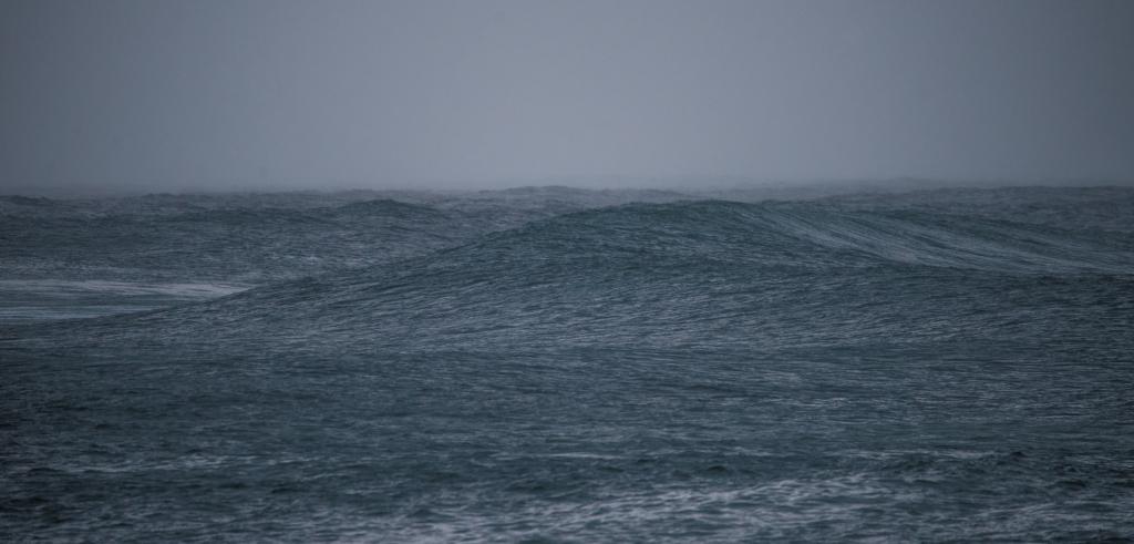 Winter swell on Little Henty Reef