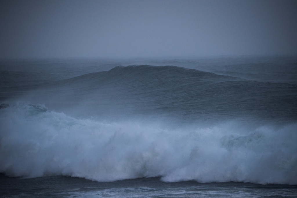 Winter swell and rain on Little Henty Reef
