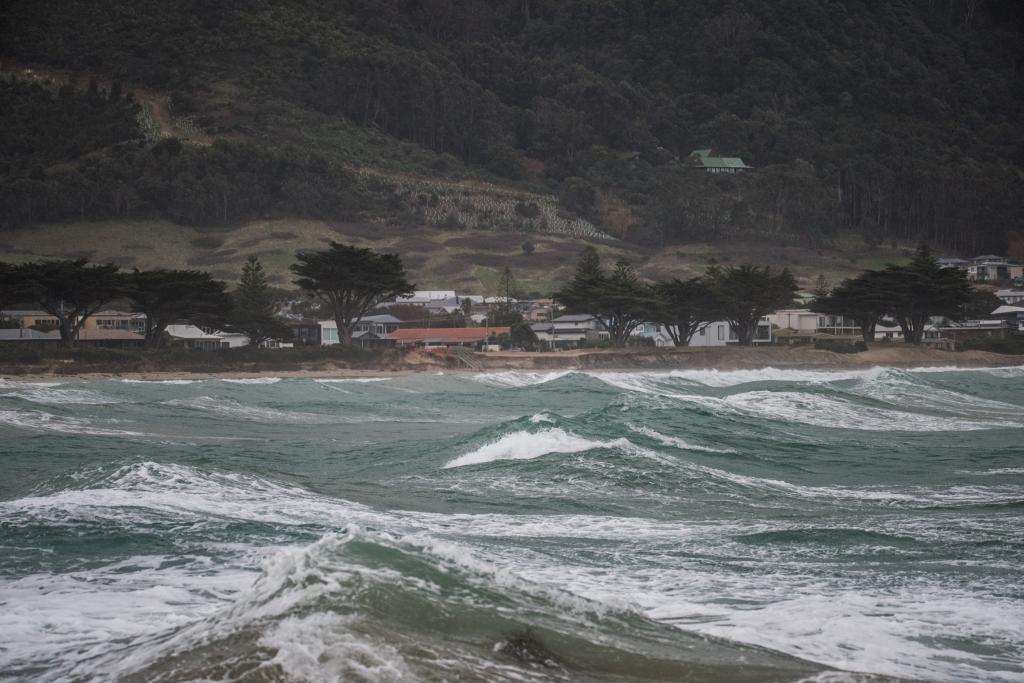 Rough seas in Apollo Bay