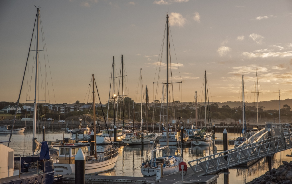 Late afternoon at Apollo Bay harbour