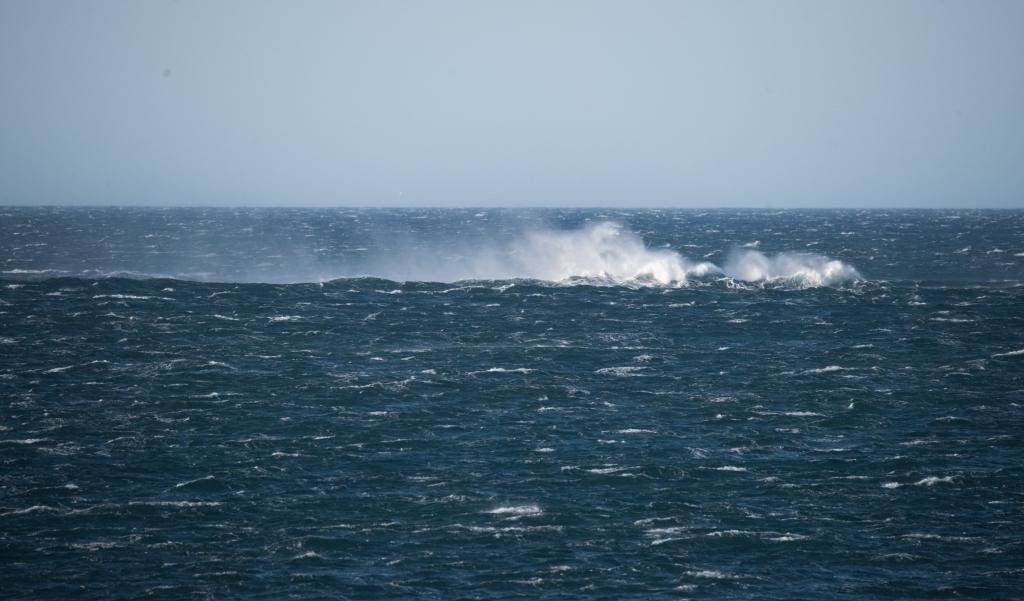Gale force winds on sea near Marengo