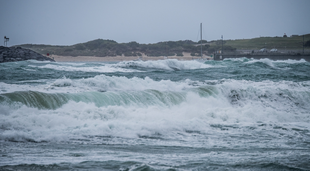 Apollo Bay harbour mouth in rough easterly seas