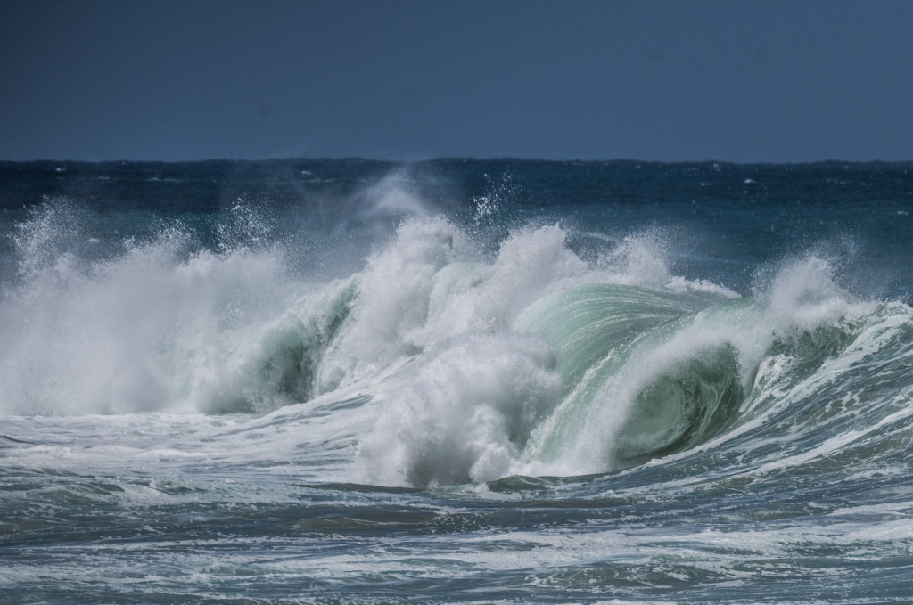 Moderate swell at Little Henty Reef Marengo