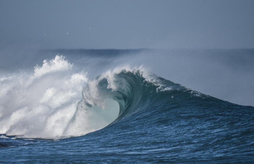 Powerful little barrel on breaking wave
