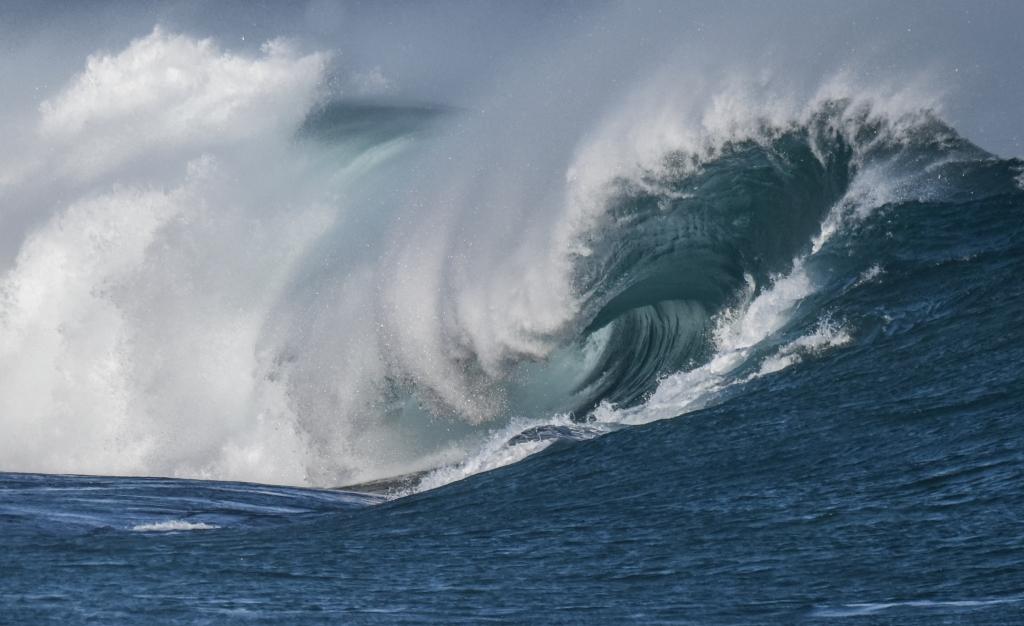 Barrel on breaking wave