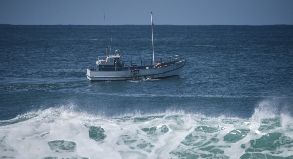 Cray fishing boat off Hayley Point