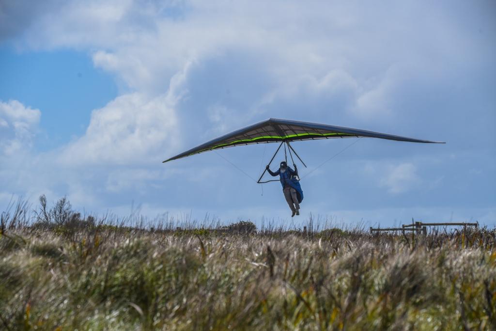 Hang glider landing