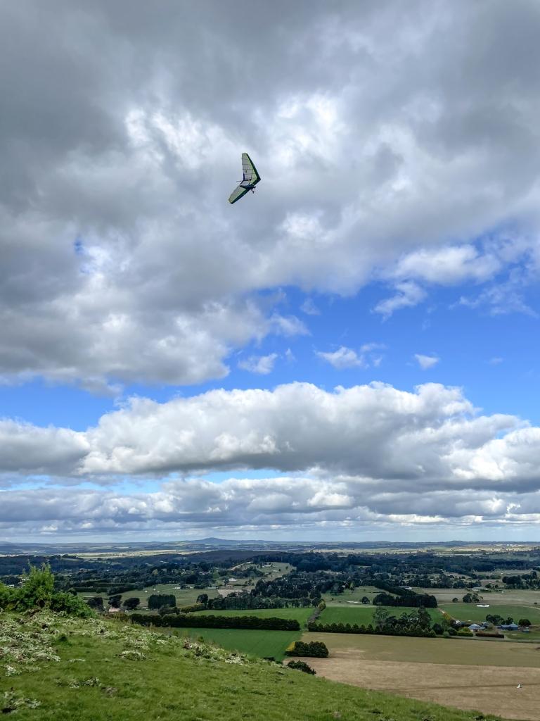 Airborne Fun 190 hang glider soaring at Gordon Victoria